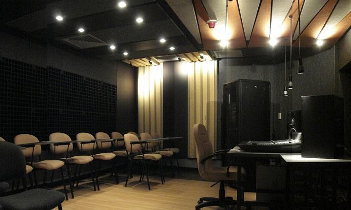 Interior de estudios de laboratorio de sonido