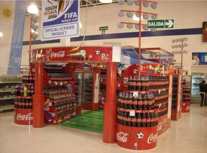 tienda aplica los servicios de merchandising en sus pasillos
