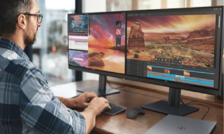 Persona en agencias de edición de vídeo trabaja en un proyecto
