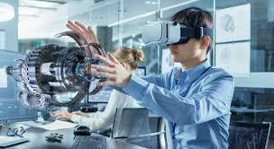 hombre experimenta la realidad virtual en empresas