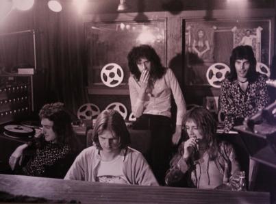 Queen al contratar un estudio de grabación en Alemania