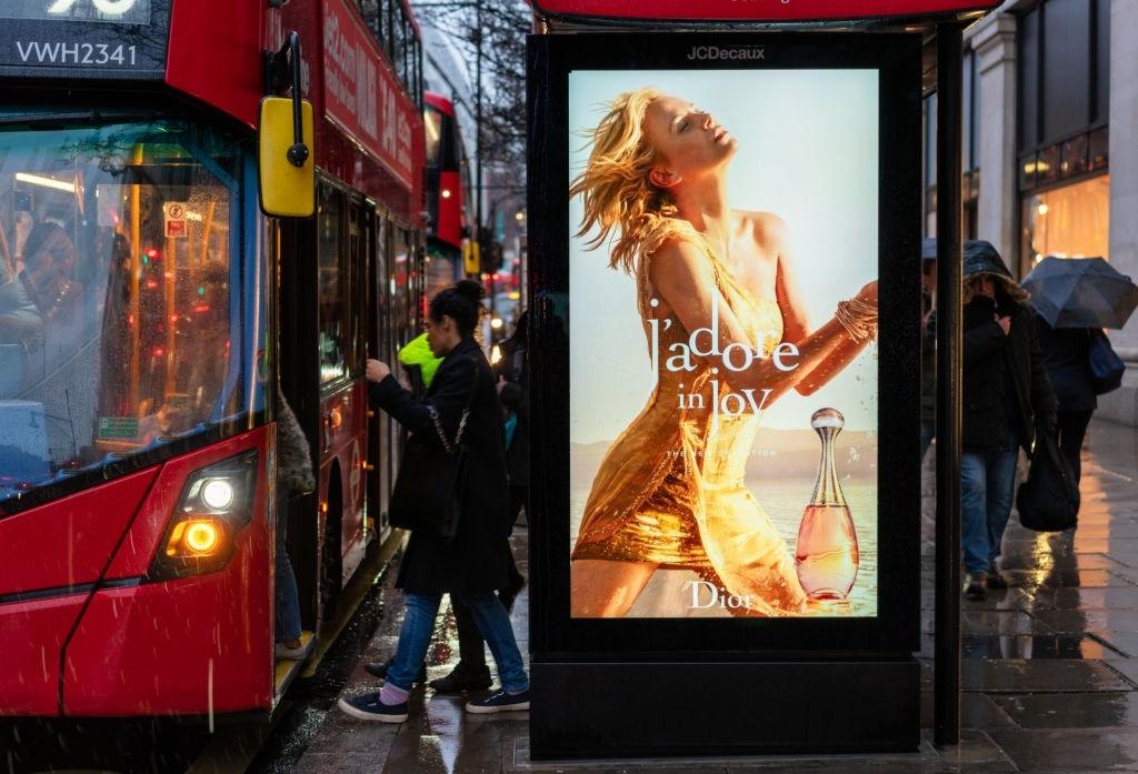 Publicidad en un paradero